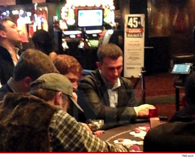 Johnny Manziel Playing Blackjack At Hard Rock Las Vegas