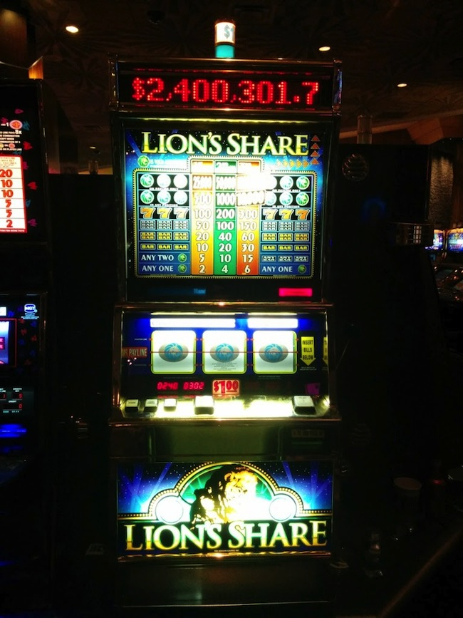 Lion's Share Jackpot At MGM Grand Gets A Winner!