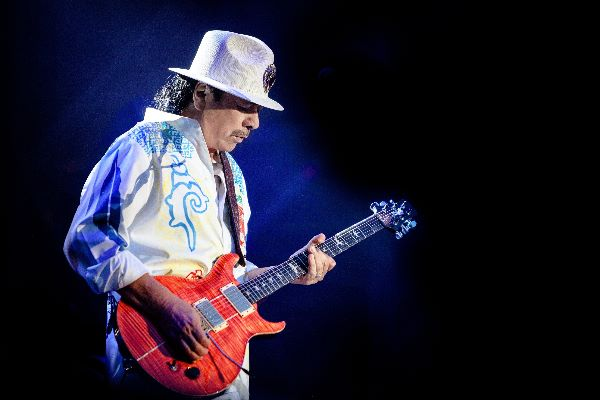 Guitar Legend Carlos Santana Continues Intimate Residency at House of Blues in 2020